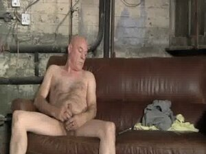 Hairy And Horny Daddy Jerking