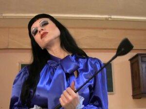 Trinity-Productions: Hobble Mistress In Shiny Blue