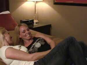 THANKS TO THE BARTENDER – WIFE SPAPPING SWINGERS