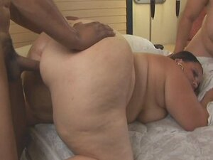 SSBBW Threesome