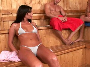 Babe in bikini Simony Diamond is fucking in a MMF