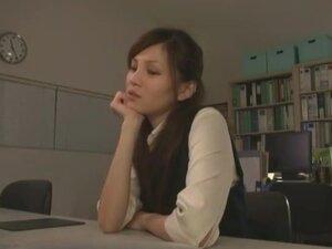 OL Style, Sexy employee Ameri Ichinose stars as an