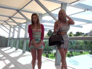 Emily Thorne in miniskirt nicely smashed