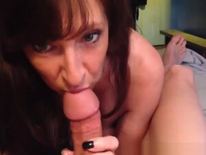 Sexy dark haired amateur milf enjoys a thick cock
