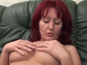 Handicapped man fucking this sexy mature babe and