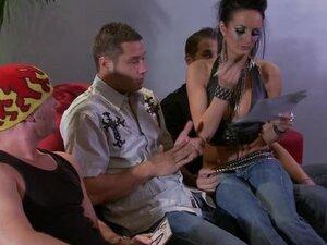 Moody Punk Girl Alektra Blue Gives Hot Blowjobs