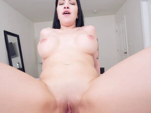Quick sex with my gorgeous Latina step mommy