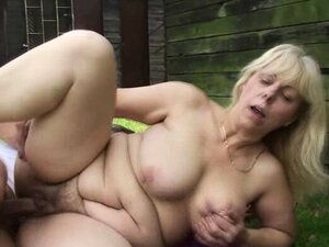 He fucks blonde granny in the changing room