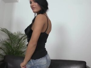 Honey Demon is a brilliant beauty looking for some