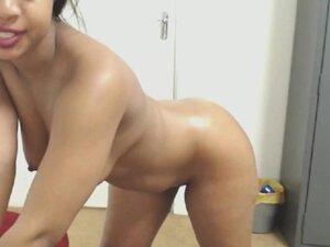 Mega Big Fat Ghetto Ebony Booty On Webcam