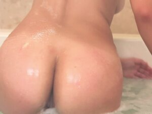 Amazing threesome and bath time with Carmen