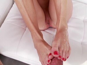 Feet worshipped slut cum