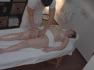 Sexy Massage Turns into Hardcore MILF Fuck with