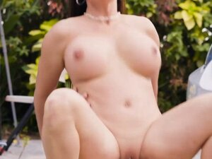 Big boobs MILF washed car and fucked by huge dick