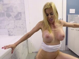Dirty busty milf likes to receiving big dick