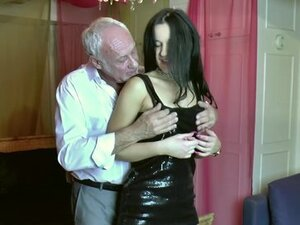 Babe with 60 yr old man at Radlett swingers p