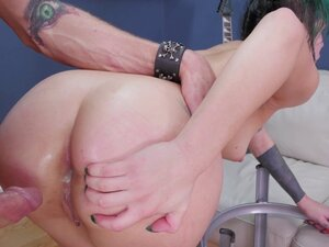 20 year old alternative bitch gets a rough anal