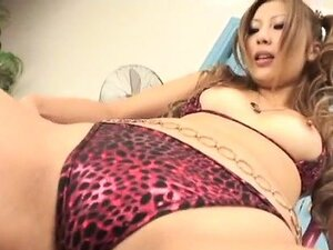 Shiho Kanou starts sucking cock in perfect POV