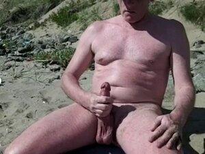 scottish exhibitionist beach wank