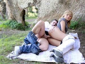 Hispanic Kassandra fucking in public in Spain,