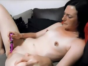 Toxic Panda quick orgasm vid with very wet pussy,