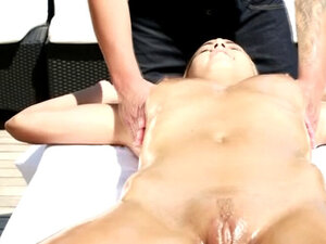 Blonde Christen Courtney Getting Fucked And Rubbed