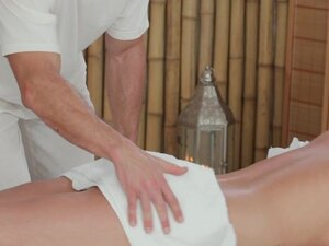 Massage Rooms 18 year old beauty gets a squelching