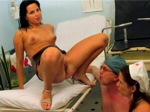 GoldenPassions Video: Pissing Acrobat Girl, Here's