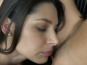 Babes in sexy underwear kissing and scissoring