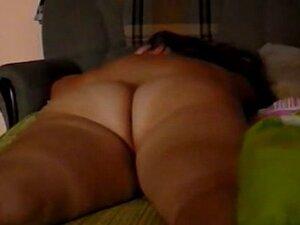 Fat ass amateur boned on the sofa in voyeur sex