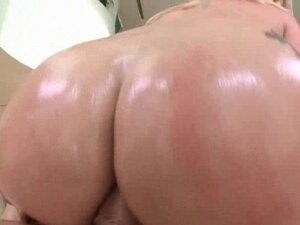 Phat ass blonde going up and down cock