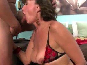 Sexy mature women loves a good fuck