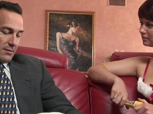 Short hair slut gets nailed on the sofa by a hunk