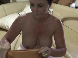 Quickie with Tania on the boat, just a quick clip