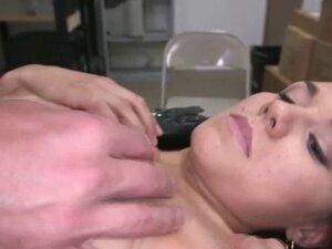 Amateur slut fingers self